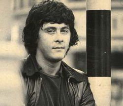 Richard Beckinsale Cremated: Mortlake Crematorium Mortlake London Borough of Richmond upon Thames Greater London, England