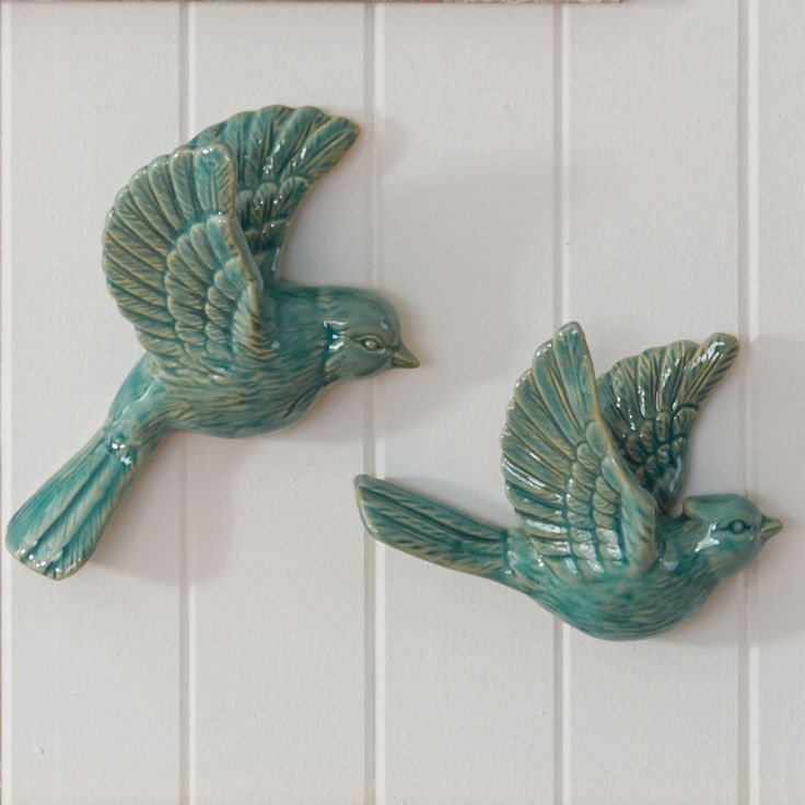 [Aqua] it would be so awesome to add these to our wall of birds in flight from the grandparents.