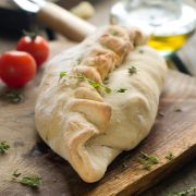 Magere pizza Calzone met achterham of tonijn