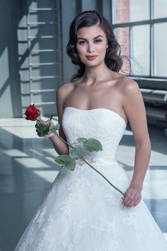 14640 в Красноярске, Платье в пол, Свадебное платье с рукавом, Свадебное платье с закрытым верхом, Пышное свадебное платье