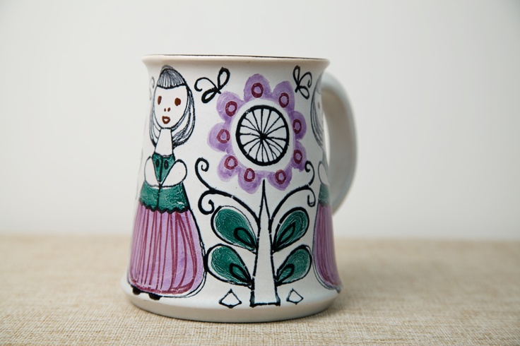 Kupittaan Savi Hand-painted Tankard, signed By Laila Zink. Made in Finland, Circa 1950s.