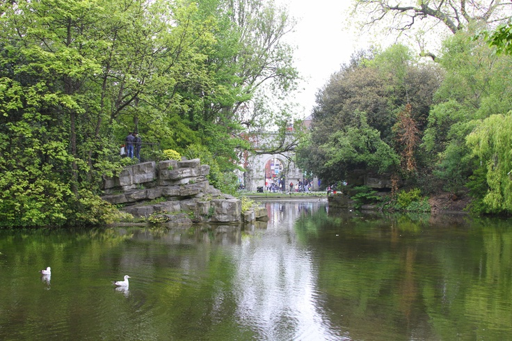 St. Stephen's Green on a Sunday afternoon.  Lovely.
