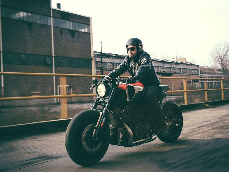 """A versão foi criada a pedido da Yamaha para celebrar os 30 anos do modelo """"A Yamaha VMax tem sido um ícone desde que estourou nas ruas em 1985 como modelo inspirado nas corridas tipo drag"""". Shun Miyazawa, gerente de produto da Yamaha Europa, acertou em cheio ao definir a power cruiser que, há 30 […]"""