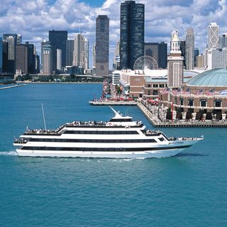Cloud 9 Living - Gourmet Lunch Cruise, Chicago - NewlyWish