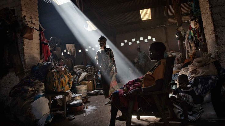 HRW THE UNRAVELLING - Journey Through The Central African Republic Crisis Marcus Bleasdale