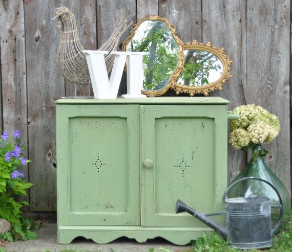 Vintage Luckett's Green Milk paint Country by Windyhillbarn
