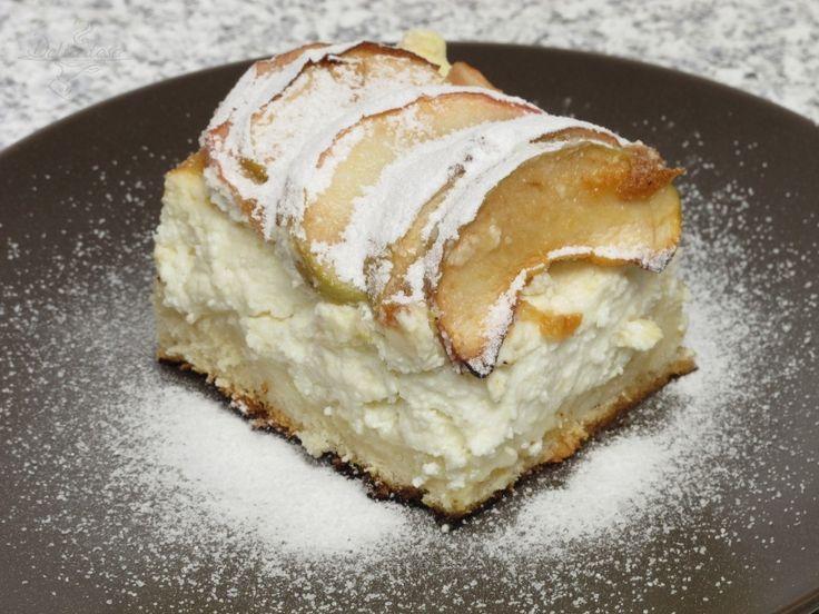 Almás túrós sütemény – ez maga a csoda, ínycsiklandó és nagyon könnyen elkészíthető!