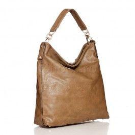 Geanta Post Aceasta geanta casual se distinge prin designul modern si compartimentarea ingenioasa. Geanta Post este un accesoriu in voga avand o nuanta neutra si de sezon, care se iti completeaza frumos stilul vestimentar. Fie ca te duci la scoala sau la birou, geanta post este perfecta.