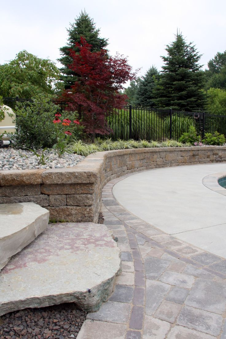 Retaining Walls Show Off With Beautiful Curves And Lines