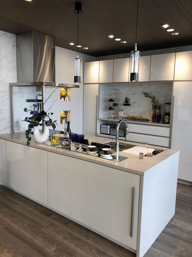 キッチン レミュー I型 ペニンシュラ型 対面式 レイアウトの設置イメージ 厚木ショールーム タカラスタンダード 2020 リビング キッチン レミュー キッチンデザイン