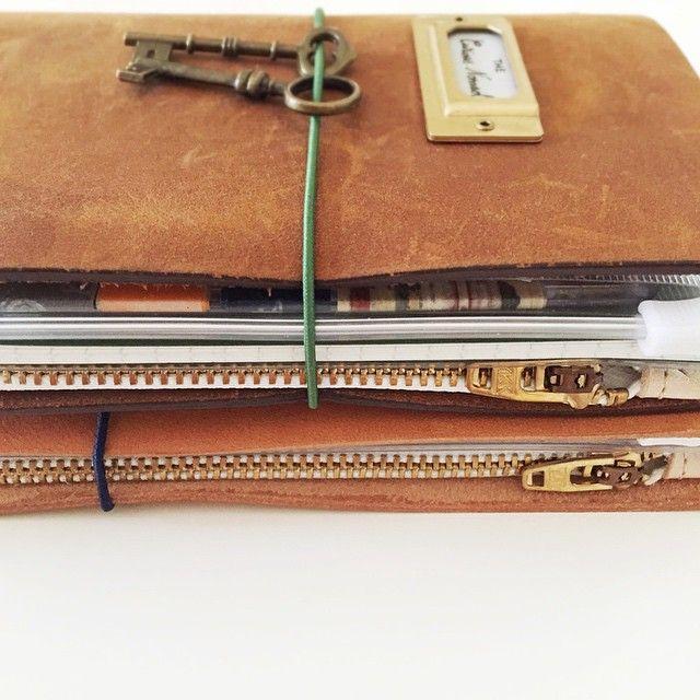 Love these leather zipper cases from @wakako_baumkuchen #Padgram #midori