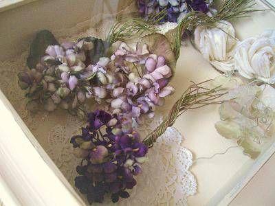 布花の世界ではスミレは永遠の花ですから、 秋に作ろうが、なんの違和感も感じません。 はじめてのスミレは、どんなスミレになるでしょうか。。。? お楽しみに。。。 下のは、この夏作ったスミレ達。 色々見ると迷っちゃうかな~? まずは作ってみてください...