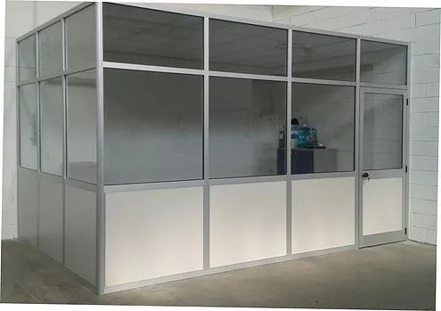 Realizzazione di box ufficio con pareti divisorie-mobili completo di controsoffitto,