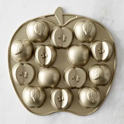 Nordic Ware Apple Cakelet Pan #williamssonoma I love this! I must have this!