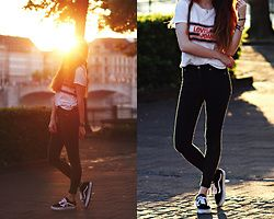 Francesca S - Levi's® Top, Cheap Monday Jeans, Vans Old Skool, Daniel Wellington Watch - Late summer vibes