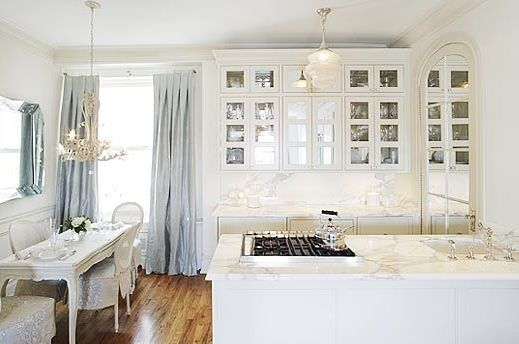a romantic kitchen?! Love the mirrored door...