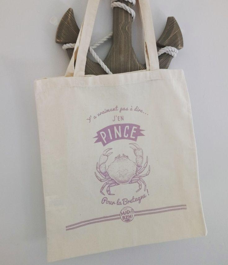 """Vous en pincez pour la Bretagne ?! Faites le savoir avec le tote bag """"Pince"""" disponible sur le shop www.madbzh.com 🙃😄🦀〰️〰️〰️〰️〰️〰️〰️〰️〰️〰️ #madbzh #totebag #bag #graphicdesign #humour #coton #crabe #lifestyle #shop #boutique #bretagne #bzh #breizh #breizhpower #crab #creative #aaska"""