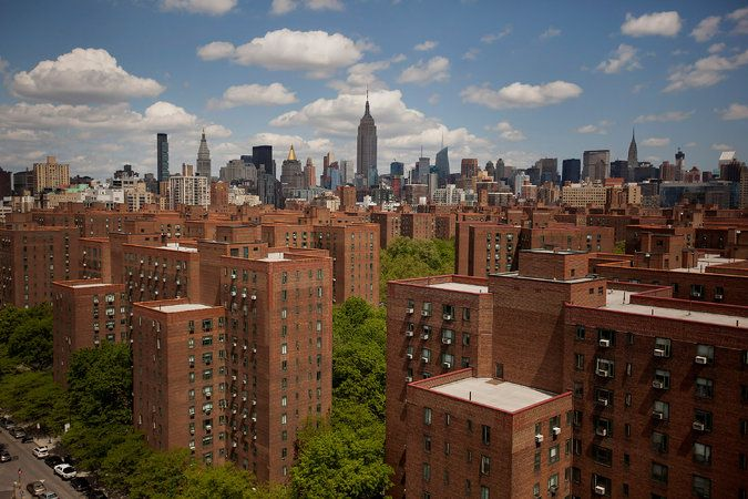 Stuyvesant Town Said to Be Near Sale That Will Preserve Middle-Class Housing - The New York Times