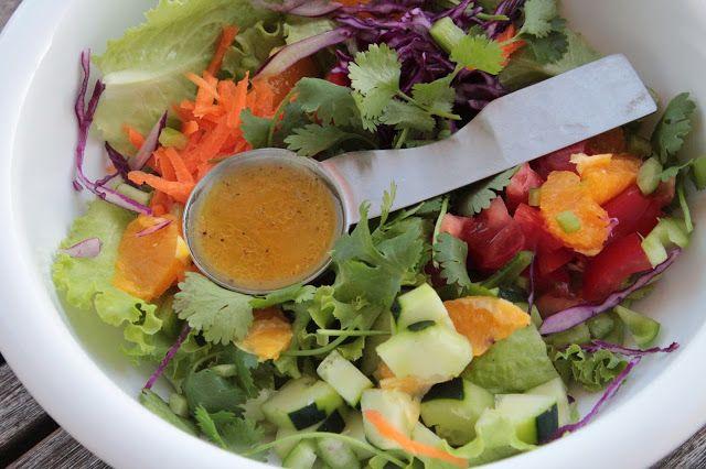 Salada da Horta com Vinagreta de Laranja e um Convite
