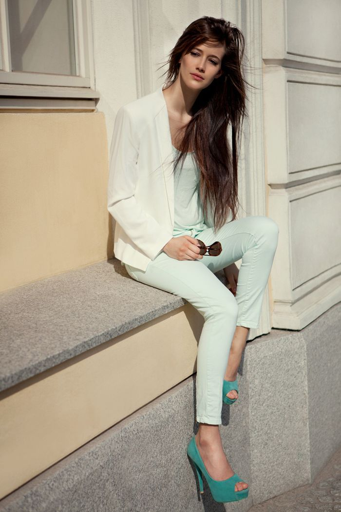 Mint Mint Mint: Such As, Pastel, Brunettes Hair, Trav'Lin Lights, Blue, Street Style, Colors Palettes, White Outfits, Heels