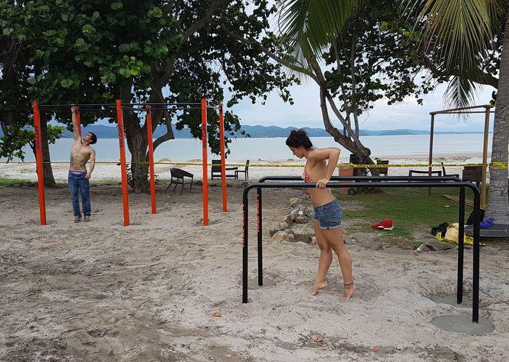Conjunto de barras pullups y paralelas en proyecto Hotelero de deportes extremos (NitroCity) Punta Chame, Panamá