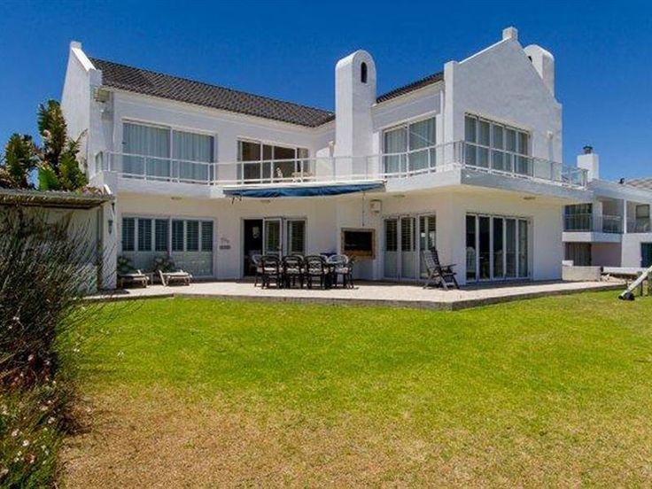 Serene Escapes - Serene Villa is a three bedroom self-catering beachfront villa overlooking the glorious Golden Mile beach.The villa sleeps six people on the ground and first floors. The main living and kitchen areas are ... #weekendgetaways #shelleypoint #southafrica