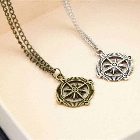 Encontrar Más Collares Información acerca de Sol nueva brújula de estilo europeo collares y colgante, alta calidad collar colgante al por mayor, China collar largo pendiente Proveedores, barato collar soldado de Sunshine Store 1989 en Aliexpress.com