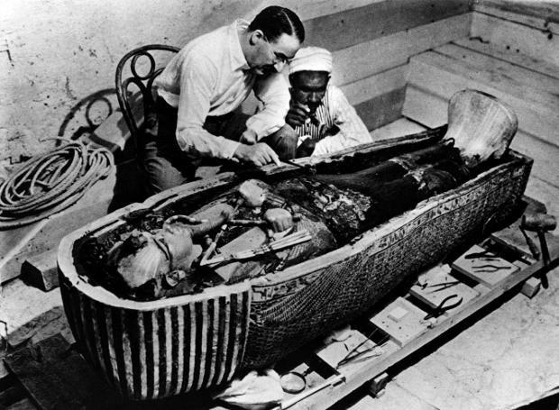 Ο θρύλος του Τουταγχαμών: Ο τάφος του Τουταγχαμών ήταν ο πρώτος βασιλικός τάφος που βρέθηκε ασύλητος, γεγονός που αποδίδεται από πολλούς στο θρύλο της κατάρας που τον συνόδευε...