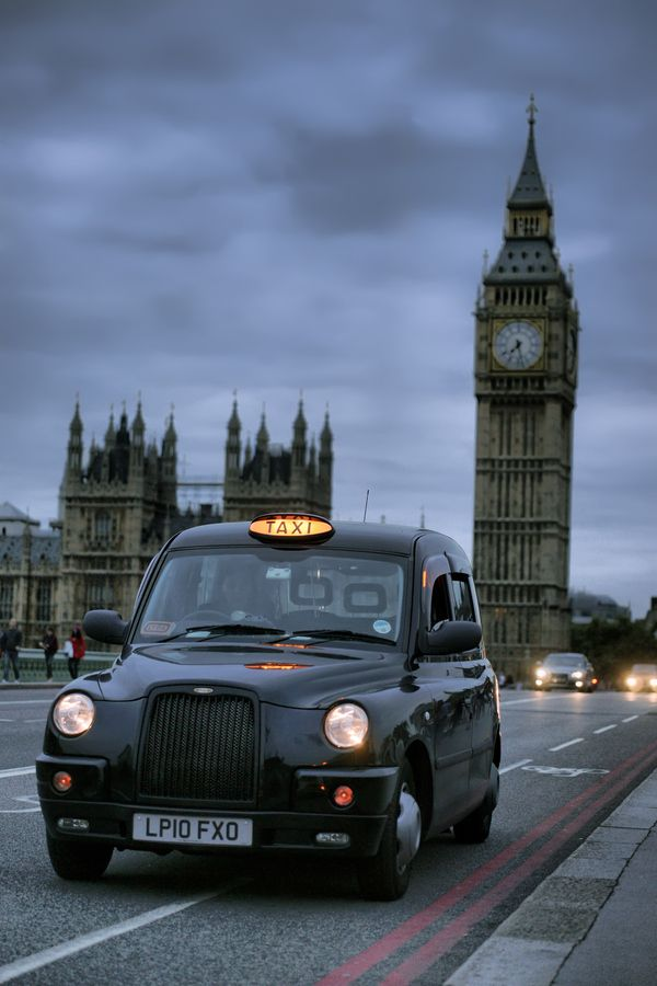 London Taxi Cab where Sarah and john meet for the first time.