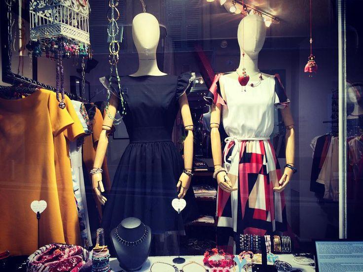Stella and Lisa, my faithful employees :-D #fashion #mode #madeinfrance #madeinnice #dresses #robes #style #trend #tendance ##shopping #Nice #vieuxNice #frenchriviera #cotedazur #ninatransfeldcouture