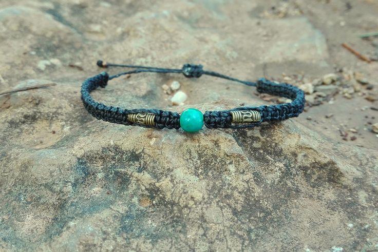 Bracelet fin pierre semi-précieuse chrysocolle macramé noir et perles bronze : Bracelet par stonanka