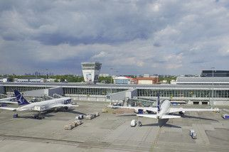 The number of passengers served at #Warsaw #Chopin Airport during the summer holiday hit an all-time high