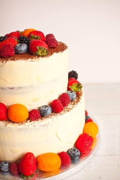 Tarta de boda de chocolate blanco y fruta
