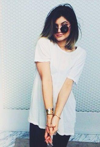 Kylie Jenner Oakley SUNGLASS JUST NEED 24.99. http://www.oakley-web.com/