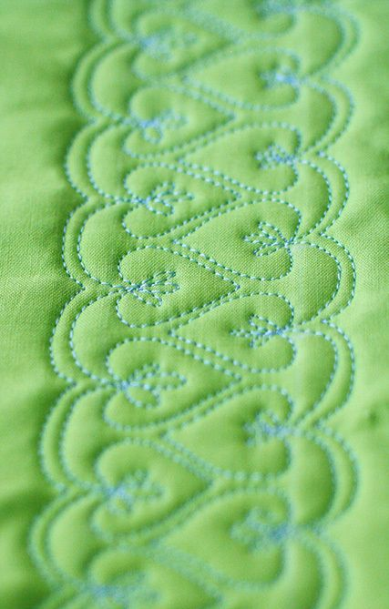 Free Motion Quilt Tutorial, Double Heart Leaf Vine from Lori Kennedy at The Inbox Jaunt