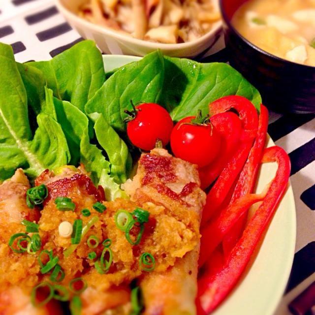 ニンジン・アスパラガス・エリンギを巻いて(●'◡'●)ノ♥ - 24件のもぐもぐ - 野菜の豚肉巻き❤️おろしポン酢ソースベーコンとキノコのサラダ豆腐とお揚げのお味噌汁 by mocha511