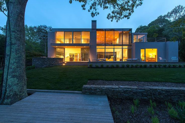 Striking East Hampton property engages with its surroundings