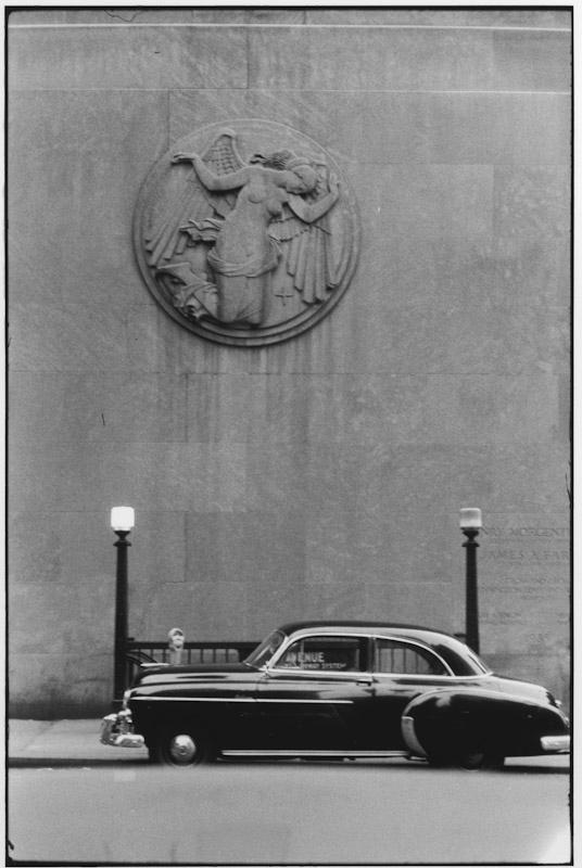 New York City, 1956.  By Elliott Erwitt -repinned by San Francisco photography studio http://LinneaLenkus.com  #photography
