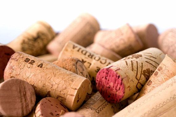 Used Wine Corks - Premium Real Corks from Europe - Ideal for Craft - Corkboard - Christmas Decorations - Dartboard Surround - Soil Enrich
