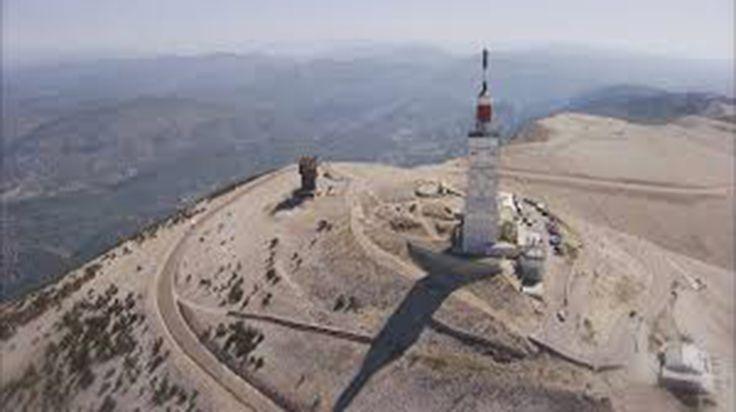 Le département de Vaucluse est choisi chaque année par une quarantaine de réalisateurs qui plébiscitent le Mont Ventoux ou le Luberon pour le tournage de leurs films. Cela génère des perturbations pour la circulation, mais aussi des retombées économiques. Le Mont Ventoux vu des Dentelles de Montmirail ,Silence, ça tourne ! Depuis début septembre, le…