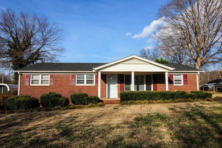 2334 Old Parker Rd, Greenville, SC 29609 House styles