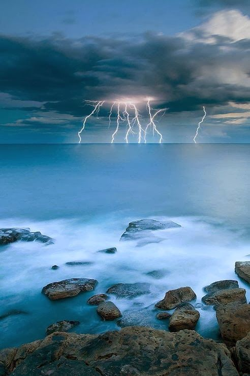 20 Stunning Pictures of Nature that will blow your mind | Incredible Picture by Timothy Poulton