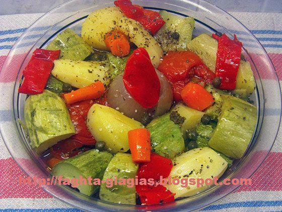Σαλάτα με καλοκαιρινά βραστά λαχανικά - από «Τα φαγητά της γιαγιάς»