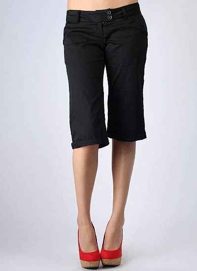 Create a wide array of ensembles with essential bermuda shorts for women from Old Navy. Classic Everyday Looks. With these classic bermuda shorts for women from Old Navy the possibilities are endless for creating multiple stylish outfits. Choose from an array of solid colors and patterns in twill, denim and more.