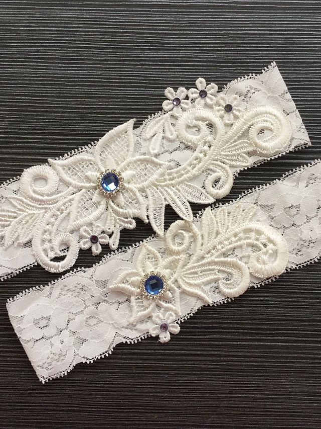 Garter Lace Lace Rhinestone Ivory - USD $6.99 ! HOT Product! A hot product at an incredible low price is now on sale! Come check it out along with other items like this. Get great discounts, earn Rewards and much more each time you shop with us!