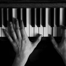 5 Exercises for Faster Fingers When Teaching Yourself Piano http://takelessons.com/blog/faster-fingers-teaching-yourself-piano?utm_source=social&utm_medium=blog&utm_campaign=pinterest