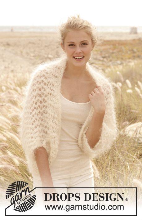 """Knitted DROPS bolero in """"Vienna"""". Size: S - XXXL. ~ DROPS Design"""