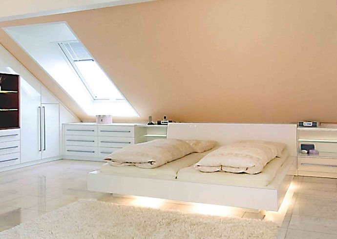 die besten 25+ dachgeschoss schlafzimmer ideen auf pinterest - Dekoration Farbe Fr Dachschrgen