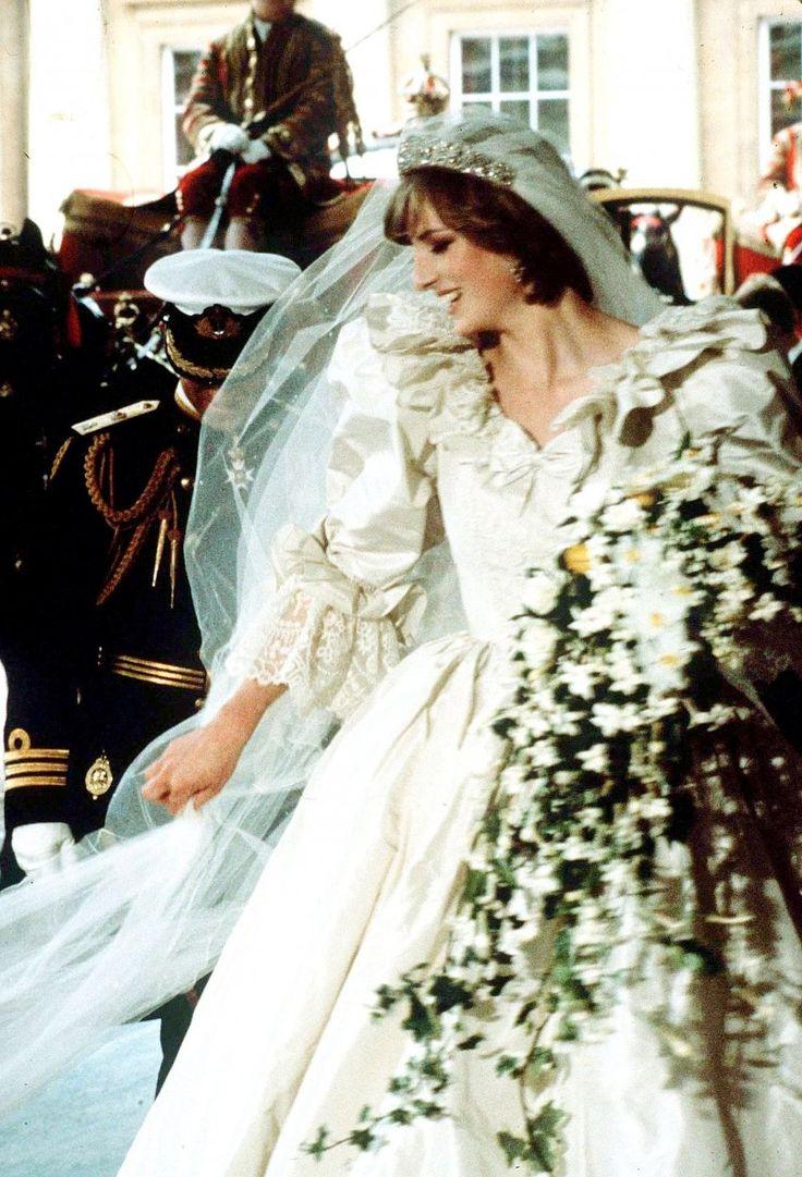 Princess Diana Arrives At Buckingham Palace With Wedding Dress Of
