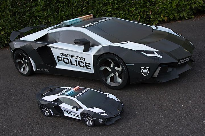 Lamborghini Aventador A-E2 police interceptor Made of Paper by Taras Lesko
